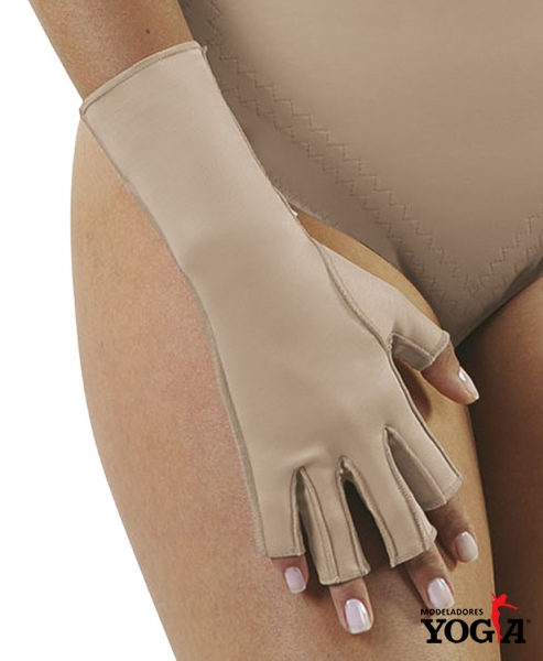 Therapeutic compression gloves with fingers